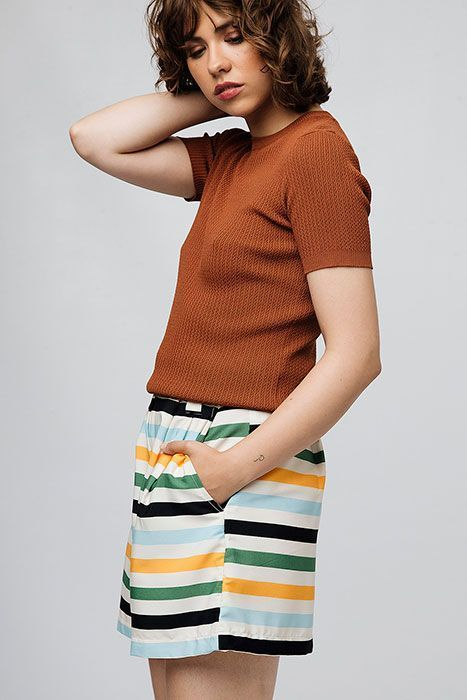 Shorts-BANANA-rayas-compañia-fantastica-1